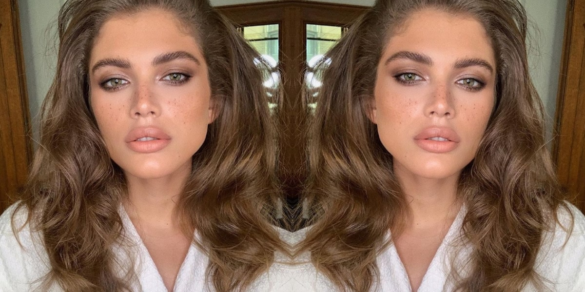 Details About Valentina Sampaio The First Transgender Sports Illustrated Swimsuit Model Yourtango