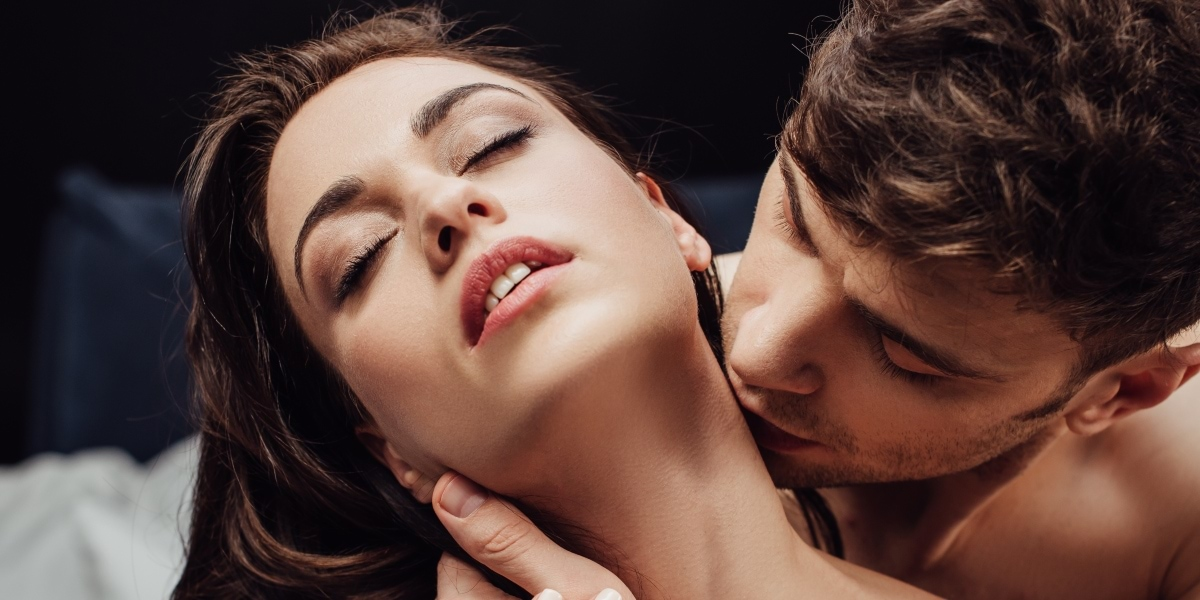 How to kiss in sexiest way