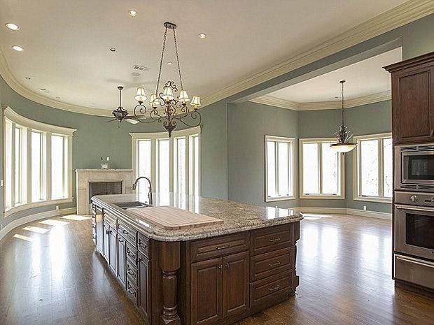 Trisha Yearwood & Garth Brooks' Oklahoma Mansion