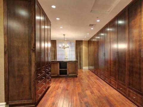 Sarah Michelle Gellar & Freddie Prinze, Jr.'s mansion