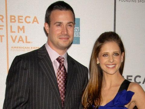Freddie Prinze, Jr. & Sarah Michelle Gellar