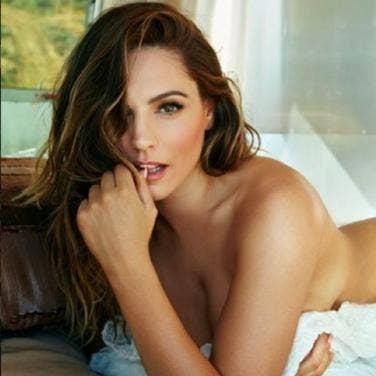 Nude women celebs
