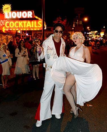 Famous Couple Halloween Costume Ideas & 22 Famous Couple Halloween Costume Ideas | YourTango