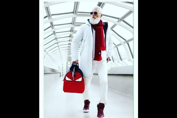 13. And here he is, dressed in winter white.