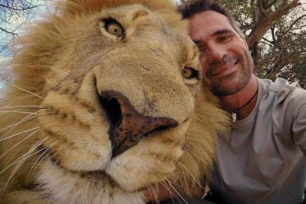 Pet selfies
