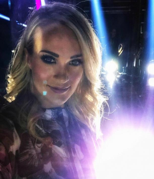 Carrie Underwood Stops Hiding Lip Scar in Latest Selfies