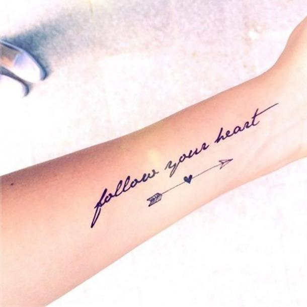 Tatuaje de cita valiente