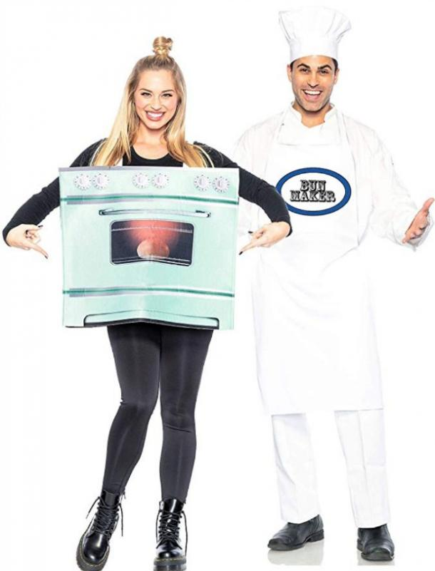chef with bun in the oven couples costume