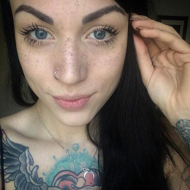 5c4173ed0 In our modern times, women are even choosing to tattoo freckles on their  faces in order to emphasize