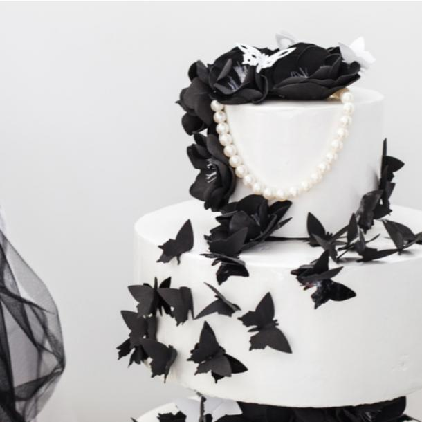 halloween wedding ideas black and white wedding cake
