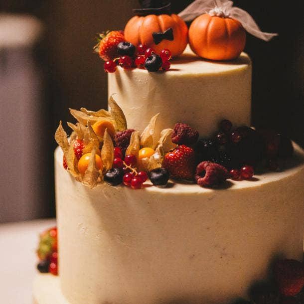 halloween wedding ideas wedding cake