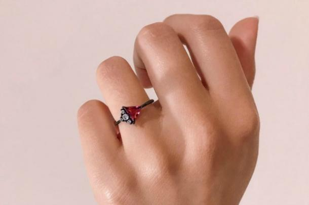 Gemandi 'Dragonfruit' Black Gold Ring with Pink Cubic Zirconia