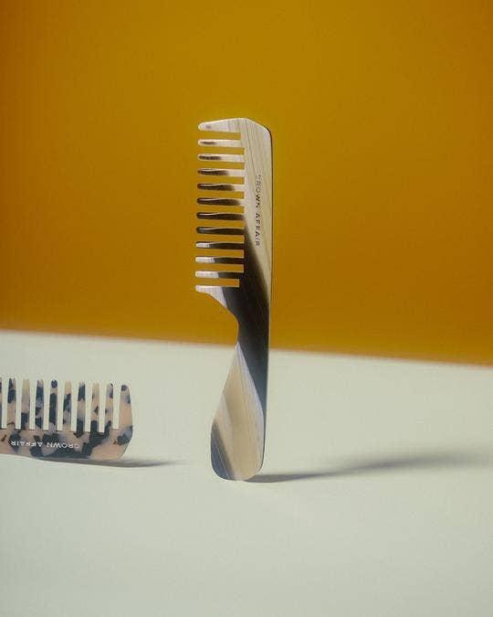 Crown Affair Comb No. 002