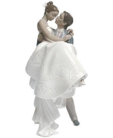 Lladró Porcelain 'The Happiest Day' Figurine