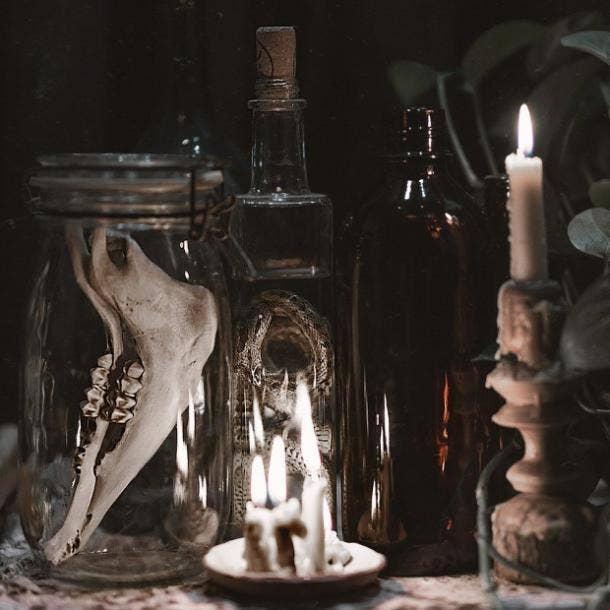 halloween wedding ideas skull centerpieces