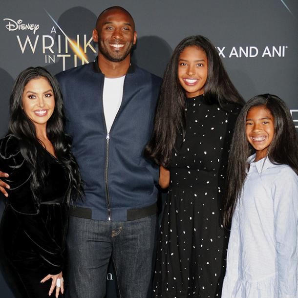 kobe Bryant with his daughters and wife