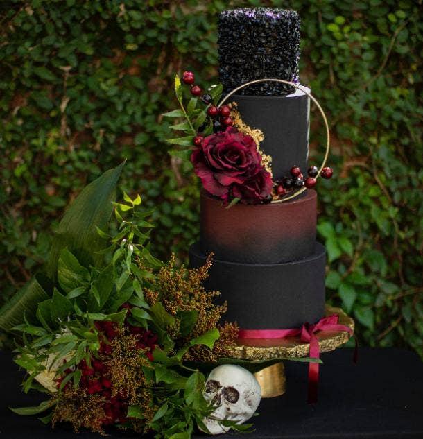 halloween wedding ideas black wedding cake