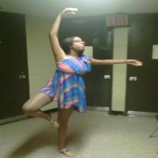 راقصة الباليه متعرج