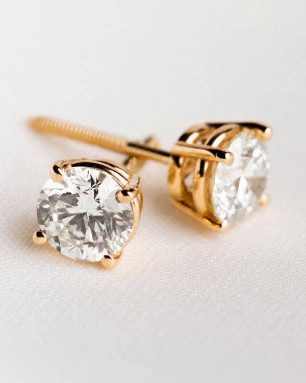 clean origin four prong stud earrings