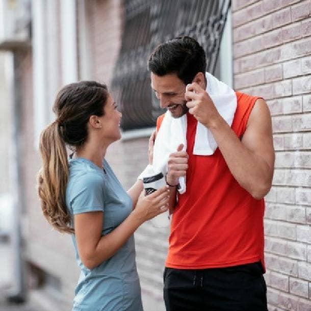 guy making eye contact with girl he likes