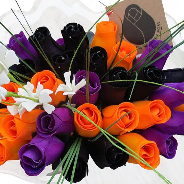 halloween wedding ideas bouquet
