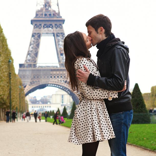 eiffel tower best places to make out