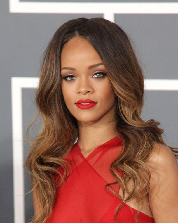 Rihanna square face shape
