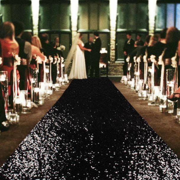 halloween wedding ideas aisle runner