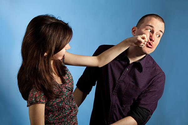 Lady Punching A Guy Who Sorta Looks Like Ben Affleck