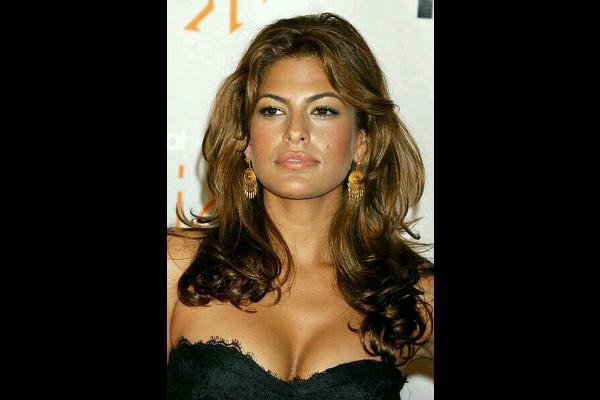 7. Eva Mendes: Lips with a rounded Cupid's bow