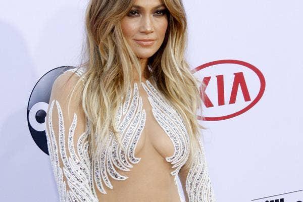 Jennifer Lopez Nearly Nude