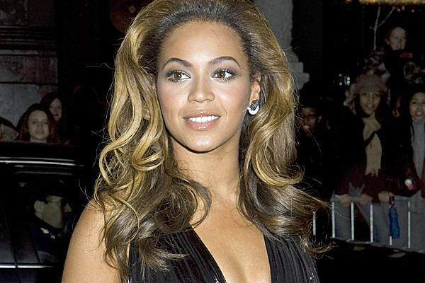 Beyoncé at the 2008 Cadillac Records premiere
