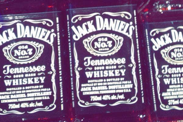 jack daniels, jack daniels whiskey, jack daniels whisky, drinking, wedding, wedding planning, open bar, open bar wedding