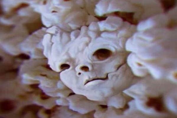Popcorn death-mask.
