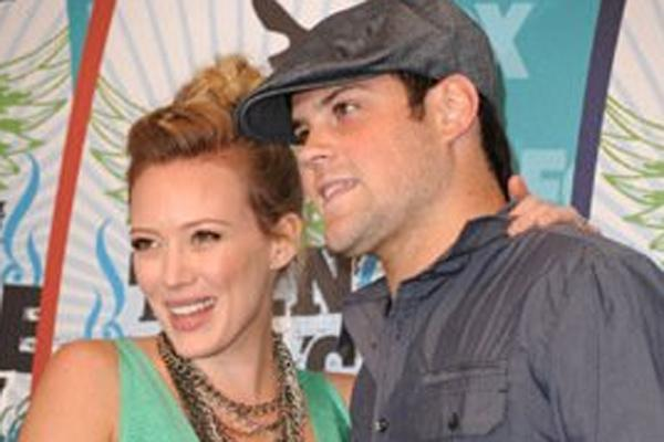 hilary duff mike comrie on off