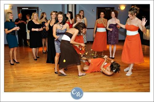 "<a href=""http://www.hypeseek.com/10-bridesmaids-who-really-wanted-to-catch-the-bouquet/"">hypeseek.com</a>"
