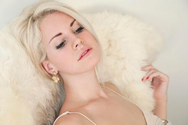 Lana Del Rey Blonde Celebrities Body-Image Confidence
