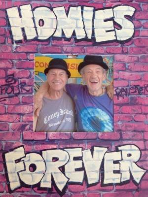 "<a href=""http://www.theatermania.com/new-york-city-theater/news/10-2013/homies-forever-check-out-patrick-stewart-and-ian-m_66191.html"" target=""_blank"">theatermania.com</a>"