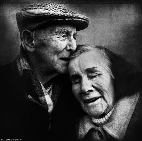 "<a href=""http://www.eharmony.co.uk/relationship-advice/dating/2014/03/love-captured-photo-competition-winners#.UzmqzfldVLo"" target=""_blank"">eharmony.co.uk</a>"