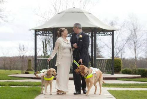 """<a href="""" http://metro.co.uk/2014/03/23/love-is-blind-couple-marry-after-their-dogs-guide-them-to-true-love-4673839/"""" target=""""_blank"""">metro.co.uk</a>"""