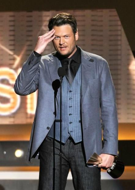 Blake Shelton racist tweets