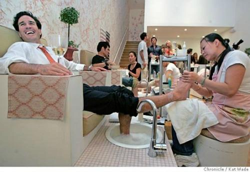 "<a href=""http://www.sfgate.com/living/article/MODERN-LIFE-Getting-soaked-on-boys-night-out-2603009.php"">sfgate.com</a>"