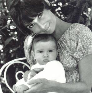 "<a href=""http://audreyhepburnforever.tumblr.com/post/13400197674/audrey-with-her-son-luca-dotti"" target=""_blank"">audreyhepburnforever.tumblr.com</a>"