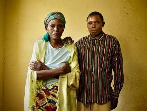 "<a href=""http://www.nytimes.com/interactive/2014/04/06/magazine/06-pieter-hugo-rwanda-portraits.html?_r=0"" target=""_blank"">New York Times/Pieter Hugo</a>"