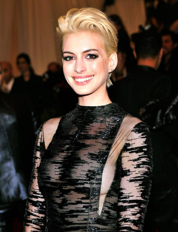 Anne Hathaway Blonde Celebrities Body-Image Confidence