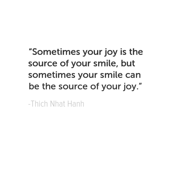 Thich Nhat Hanh جعل اقتباسات سعادتك الخاصة