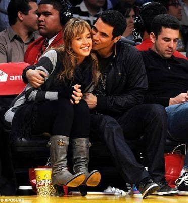 "<a href=""http://www.dailymail.co.uk/tvshowbiz/article-501511/Actress-Jessica-Alba-pregnant-boyfriend-Cash-Warren.html"">dailymail.co.uk</a>"