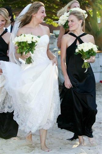 "<a href=""http://marilynskeepsakes.com/blog/2013/06/13/celebrity-bridesmaids-which-stars-have-stepped-out-of-the-spotlight-into-second-place/"">marilynskeepsakes.com </a>"