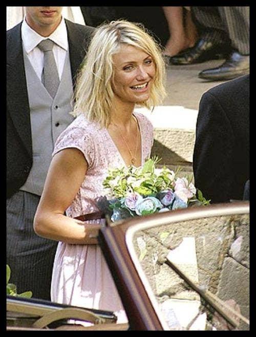 "<a href=""http://www.bridezilla.com/bridesmaids-%E2%80%93-the-celebrity-edition"">bridezilla.com</a>"