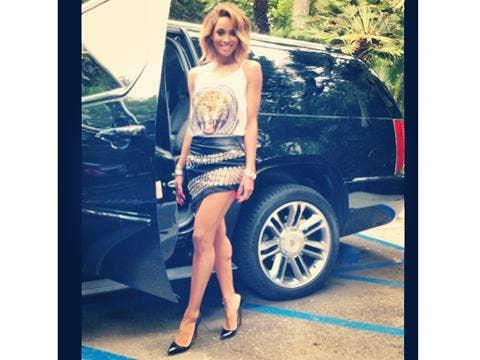 """<a href=""""http://distilleryimage11.ak.instagram.com/afe48978fad511e2852e22000ae90903_7.jpg"""">Ciara Instagram</a>"""